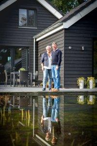 Nederland, Heerenveen, 10-10-2016. Thuisreportage bij Marinus Wijma en Louwina van Noord. Zij wonen in een passief huis waarmee zij zo energie neutraal willen wonen. KM 55